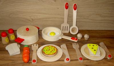 Speelkeuken pannen en servies